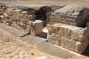 Tomb of Khentakawiss III,  cca 4,500 b.c.